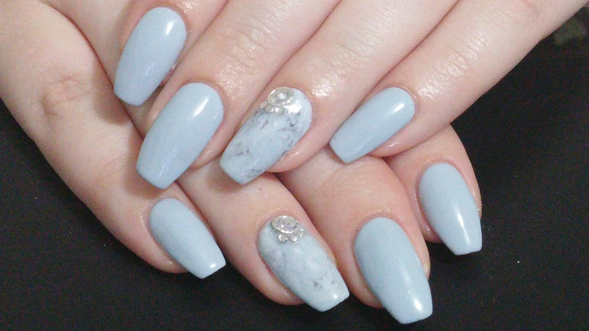 Why World Beauties Like Grey Coffin Nails