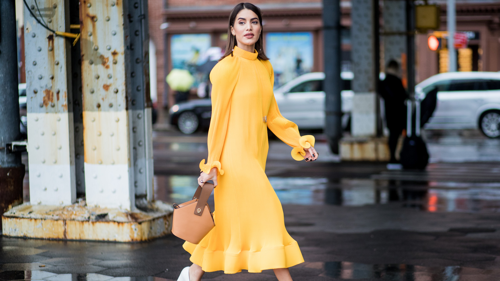 Dress yellow what shoes to wear best photo
